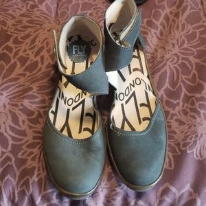 Euc Fly London shoes